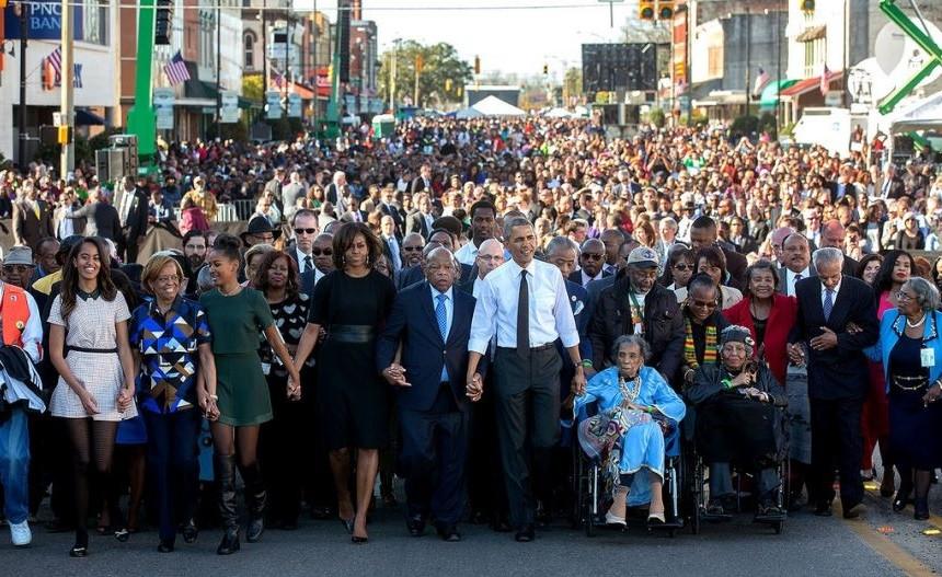 Medanoke.com - Keluarga Pertama Ikut Serta Dalam Peringatan Hut ke 50 Minggu Berdarah Dengan Berbaris di Selma
