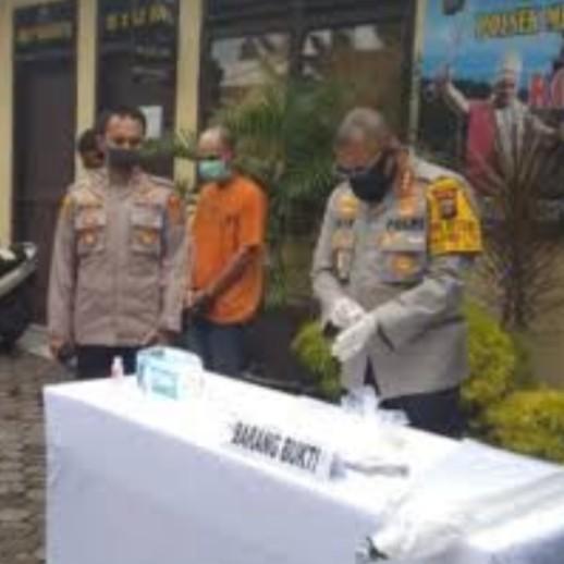 Pencuri Besi Pagar Lapangan Merdeka Medan Diciduk  2 Ditangkap, 2 Diburon