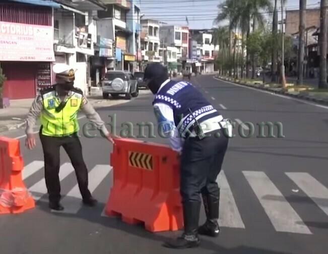 medanoke.com - lima titik ruas jalan kota medan ditutup dalam rangka PPKM Darurat. (IST)